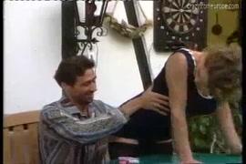 العاريات علي السرير بنت وولد