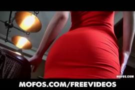 صورة سكسيةمتحركة راجل بيرضع البيزاز الصدر