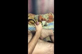 Ftm صبي الهزات قبالة و cums.