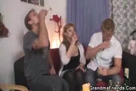 مقاطع فيديو سكس بنت تغتصب شاب