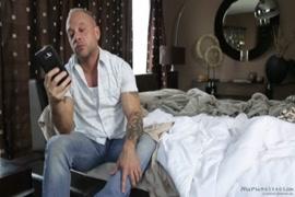 فيديو لرجل و امراة عاريين تماما في السرير