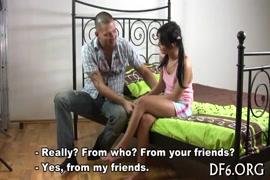 سكس ايطالي اب يمارس جنس مع ابنته من خرم طيز